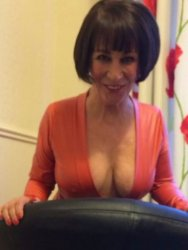 Sexy mature Sandy waiting for your call