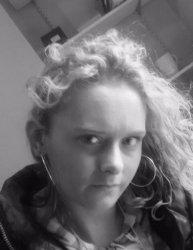 Welsh horny lady Ellie Lou Hopkins