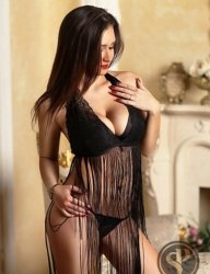 Busty Brunette Escort - Beatrice